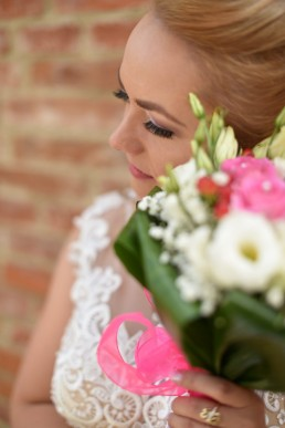 foto mireasa inainte de petrecerea de nunta